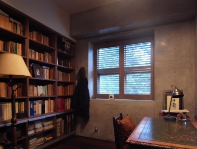 出窓の家 (読書好きの書斎2)