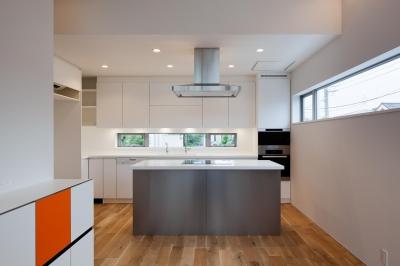 オープンキッチンは360度の使いやすさ (藤沢の家/Na邸)