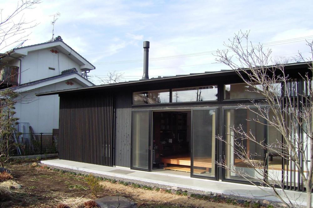 佐久平の家/A邸 (南となる庭側の眺め)