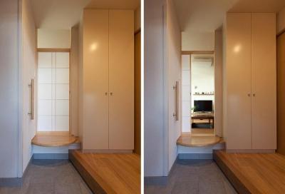 玄関から茶の間への入口 (黒の焼杉と大開口が象徴的な2世帯住宅|桜川の家)