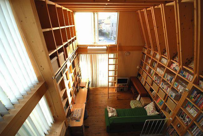 47/100 石神井台の木箱の部屋 壁一面収納できるリビング