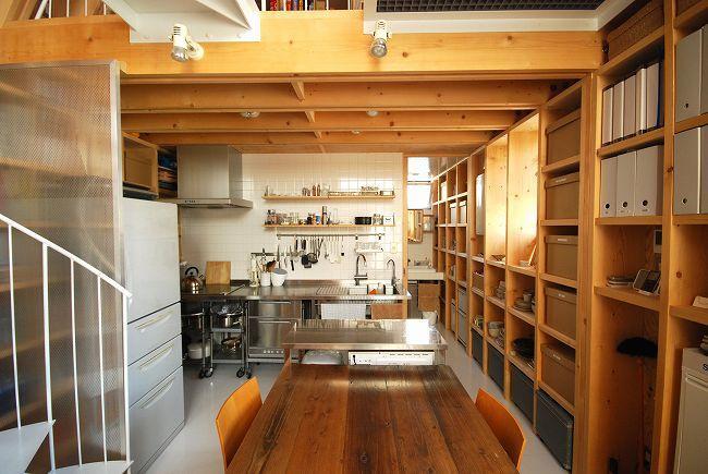 47/100 石神井台の木箱の部屋 収納たっぷりのダイニングキッチン