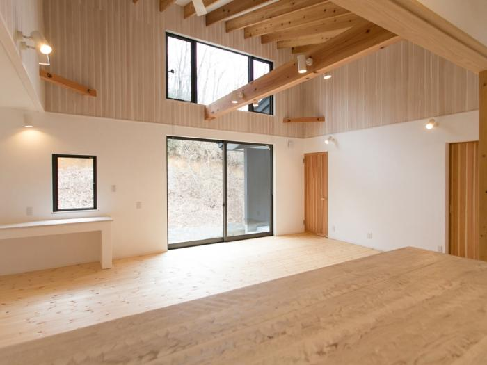 IZUMI HOUSEの部屋 木のぬくもりのあるリビング