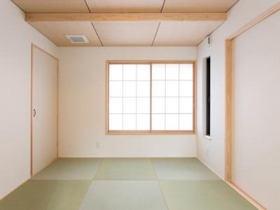 素朴な雰囲気の小粋な和室 (IZUMI HOUSE)
