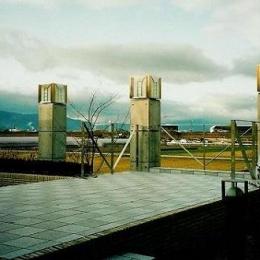 コンクリート構造の住宅設計 (田園風景を望めるテラス)