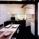 気まずい家の写真 雰囲気のある食卓(撮影:玉森潤一)
