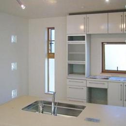 33坪・2階建てプラスRC造地下6坪+屋上のデザイン住宅 湘南
