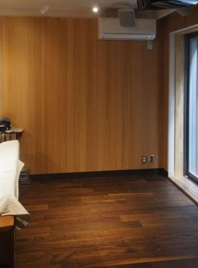 33坪・2階建てプラスRC造地下6坪+屋上のデザイン住宅 湘南 (地下室)