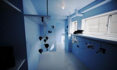 青を基調としたウォークインクローゼット|青木ビル