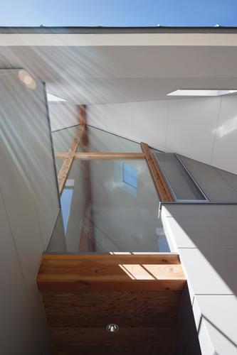 house AAの部屋 「過剰な軒下」(撮影:KAI NAKAMURA)
