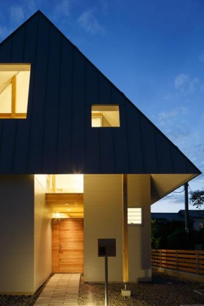 house AA (夜の外観(撮影:KAI NAKAMURA))