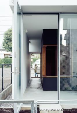 クウハウスの写真 視線や風の抜ける開放的なつくり(撮影:西川公朗)