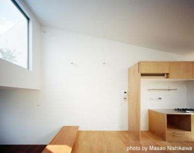 屋上テラスとリビング(撮影:西川公朗) (クウハウス)