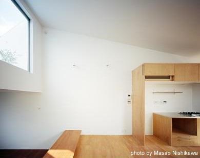 クウハウスの写真 屋上テラスとリビング(撮影:西川公朗)