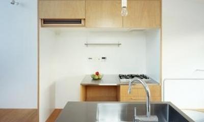 クウハウス (かわいらしい対面式キッチン(撮影:西川公朗))