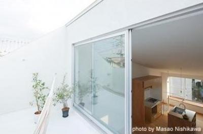 開放的な屋上テラス(撮影:西川公朗) (クウハウス)