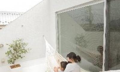 ハンモックが吊るされた屋上テラス(撮影:水谷綾子)|クウハウス