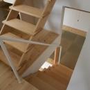 読書する家の写真 畳スペースとつながる階段(撮影:上田宏)
