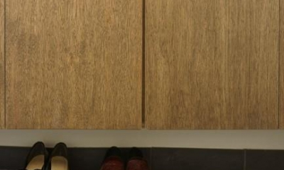 神泉リノベーション(東京都目黒区S邸) (玄関-隠す収納(撮影:樽井利和))