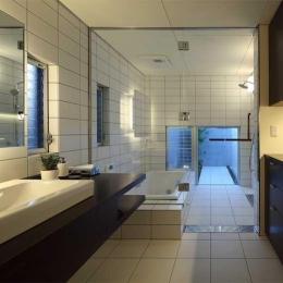 浴室(撮影:カツタ写真事務所 勝田尚哉)