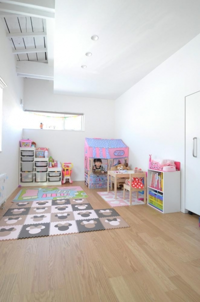 カフェ風ダイニング (子供部屋)