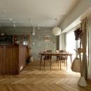 ハコリノベの住宅事例「ヘリンボーンと大好きな和民芸」