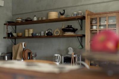 キッチン4 (ヘリンボーンと大好きな和民芸)