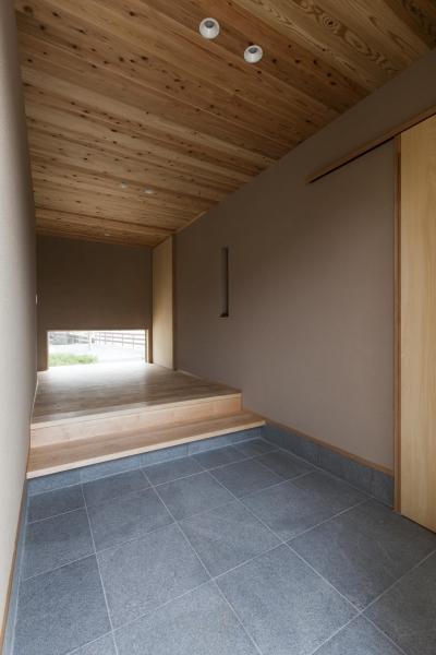玄関ホール (あっさり和風の家)