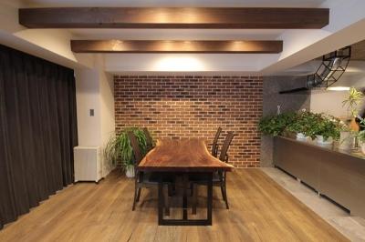 渋谷区  ヴィンテージ感溢れるデザインと快適性の両立 (DK)
