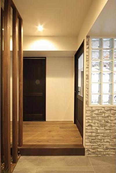 玄関 (渋谷区  ヴィンテージ感溢れるデザインと快適性の両立)