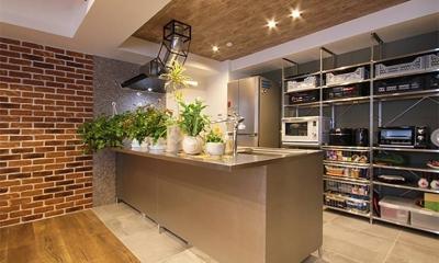 渋谷区  ヴィンテージ感溢れるデザインと快適性の両立 (キッチン)