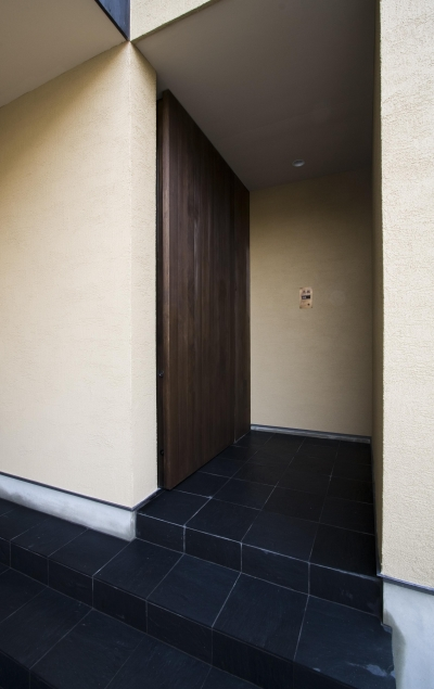玄関 (和モダンの家)