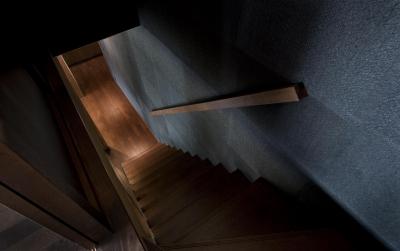 階段 (和モダンの家)