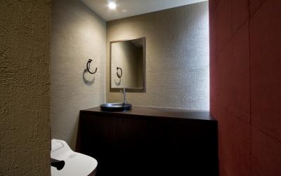 トイレ (和モダンの家)