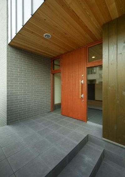 玄関-外観 (浜寺公園の家#薪ストーブのある吹き抜けリビング)