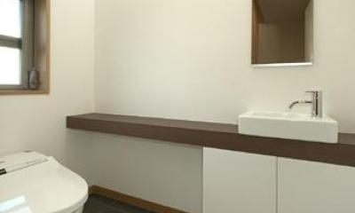 浜寺公園の家#薪ストーブのある吹き抜けリビング (トイレ)