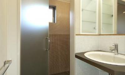 洗面スペース1|浜寺公園の家#薪ストーブのある吹き抜けリビング