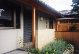 朝日町のSOHO (玄関-外観)