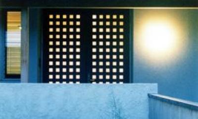 朝日町のSOHO (玄関-夕景)