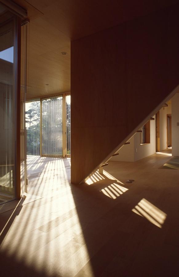 建築家:庄野健太郎「ニワノアイダ」