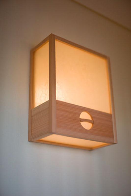 花游雲月亭(大谷邸)の部屋 廊下の照明(撮影:幸田青滋)