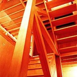 T-BOX (ウッディな階段)