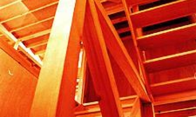 ウッディな階段|T-BOX
