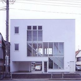 階段の家 (外観)