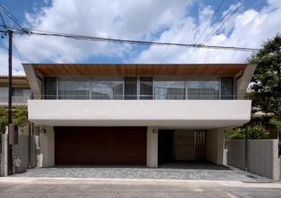 NAG-house  スキップフロアーの家 (外観-南側前面道路より)