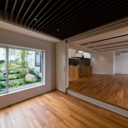 NAG-house  スキップフロアーの家 (バレエ・音楽室)