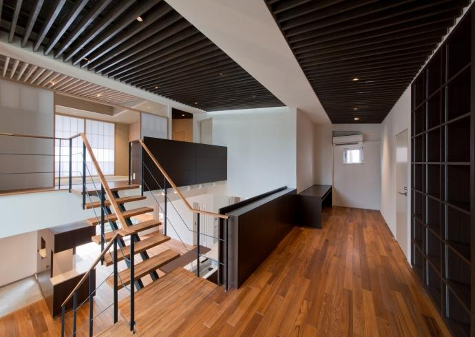 NAG-house  スキップフロアーの家の部屋 2階-読書・書斎コーナー