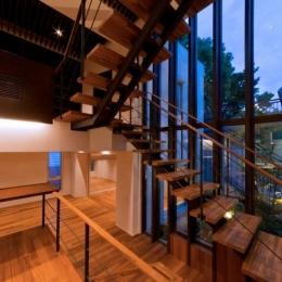 室内階段 (NAG-house  スキップフロアーの家)
