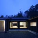 鳥栖の住宅01の写真 外観-夜景(撮影:Y.Harigane)
