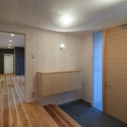 鳥栖の住宅01 (広々玄関(撮影:Y.Harigane))